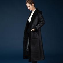 新款海宁真皮皮衣长款皮毛一体女欧版连帽大衣两面穿外套加厚